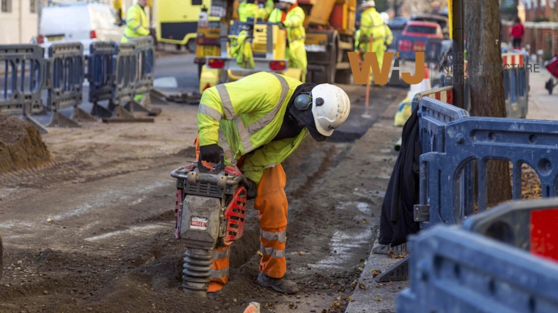 UK construction falls for the first time in eight months